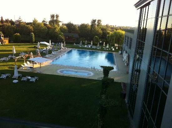 Life Port Hotel: Swimming Pool