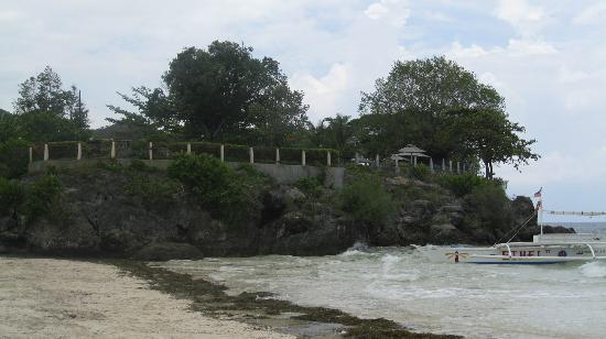 อโมริตารีสอร์ท: Amorita sits on a cliff above Alona Beach