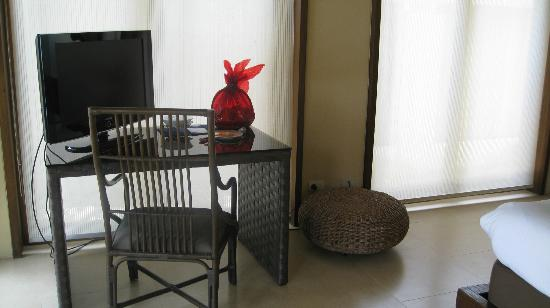 "Amorita Resort: Flat Screen TV w/ Cable and Wi-Fi w/ ""welcome"" treats"