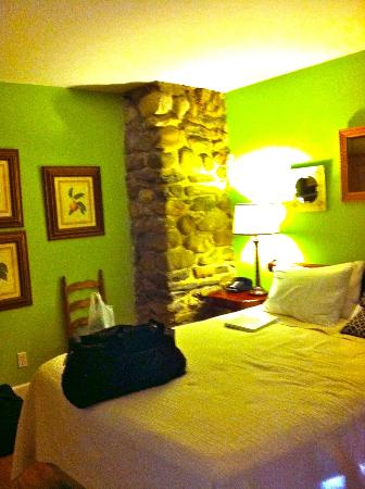 Buttermilk Falls Inn & Spa: Sweet Basil