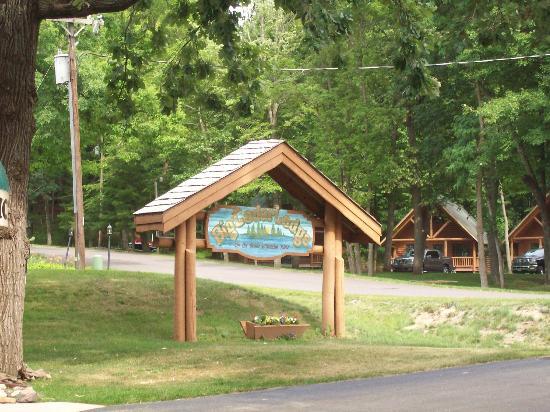 سيدار لودج آند سيتلمينت: Cedar Lodge 
