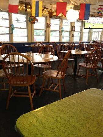 Stewart's Restaurant & Tavern Seafood: cozy ambiance...