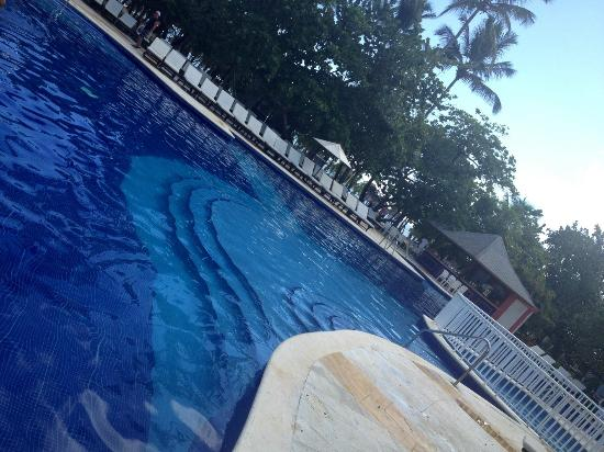 Grand Bahia Principe El Portillo: Pool at 7am