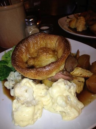 The Falcon Pub: roast beef