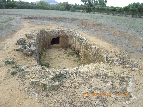 La necropoli di Anghelu Ruju : la necropoli