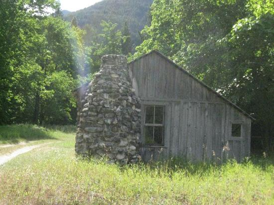 Stehekin Landing: Old homestead at Buchner ranch