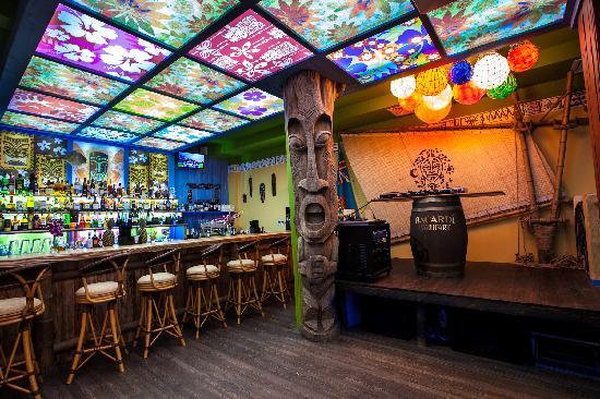 Kon-Tiki Bar & Cafe