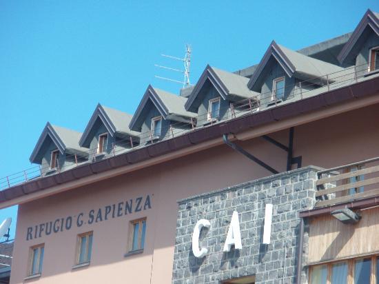 Magnolia B&B: rifugio Sapienza:inizio escursione Etna