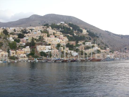 Anastasia Apartments: Approaching Symi