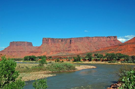 Red Cliffs Lodge Cabins Along The Colorado River Picture