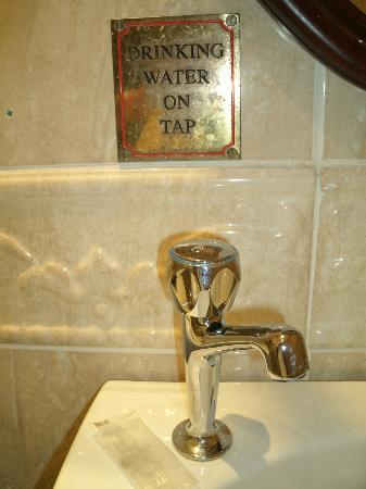 Leesonbridge Guesthouse: Water on tap....