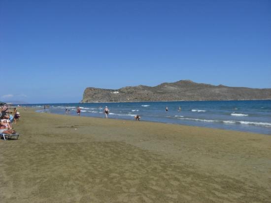 Amalthia Beach Resort: The beach