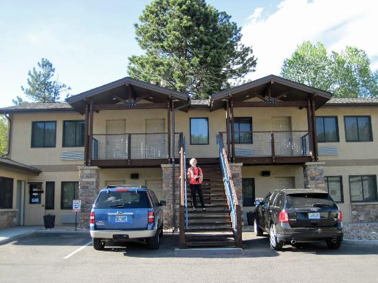 The Haber Motel: Small motel, great rooms