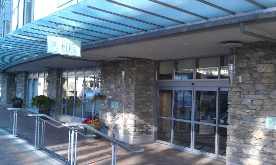 The Sidney Pier Hotel & Spa: Hotel Entrance