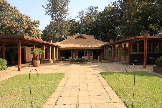 Arusha Coffee Lodge: main lodge area