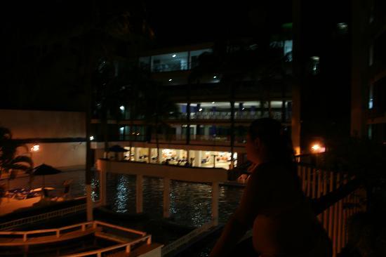 Sol Caribe San Andres: Piscina de noche