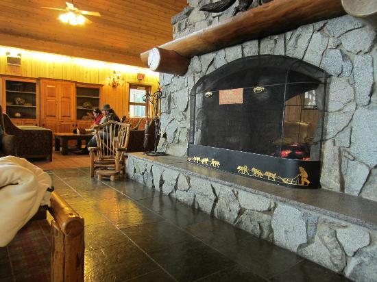 Mt. McKinley Princess Wilderness Lodge: lodge fireplace 