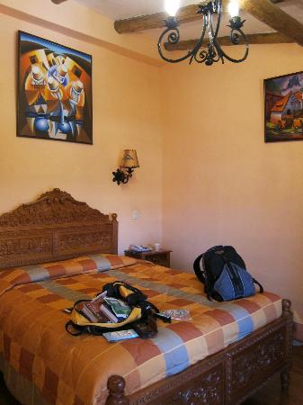 أمارو هوستل: Our double room 