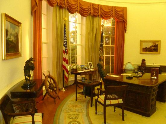 Grand Rapids, MI: Oval Office