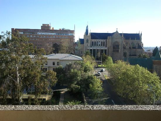 Travelodge Hotel Perth: View from the queen balcony room