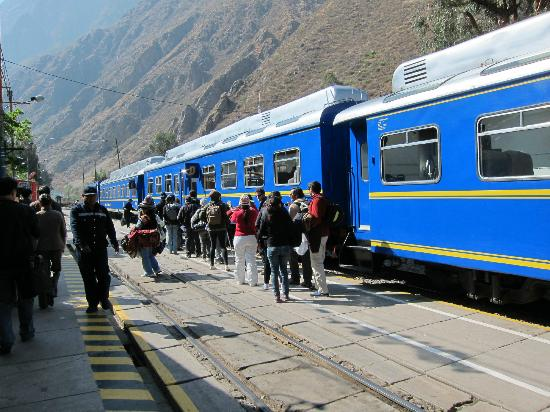 El Albergue Ollantaytambo: The train station is located literally just outside the inn