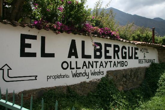 El Albergue Ollantaytambo: You can't miss this hotel from the train station (pic taken from the train station gate)