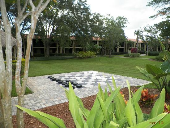 Doubletree by Hilton Orlando at SeaWorld: Life-Sized Checkers