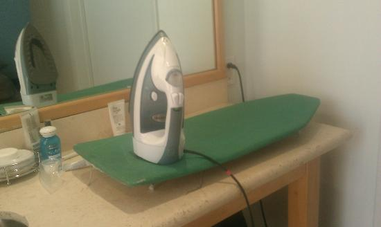 Hotel St. Augustine: This is what they call an ironing board