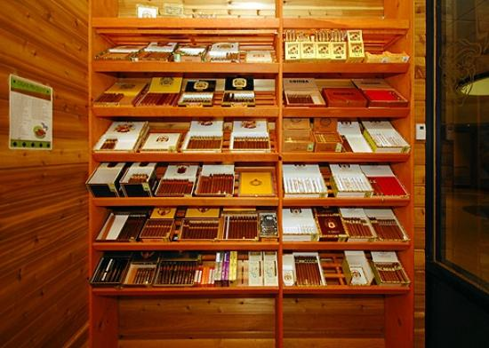 Quality Hotel & Suites At the Falls: On-site humidor