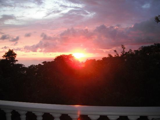 Pacifico Colonial Condominiums: Sunset from patio