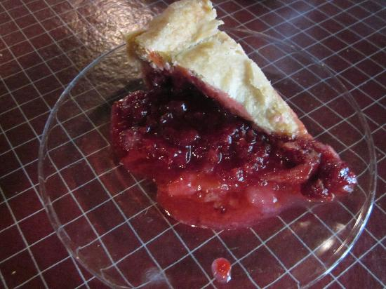 Lodge Restaurant : Yummy, warm raspberry pie.