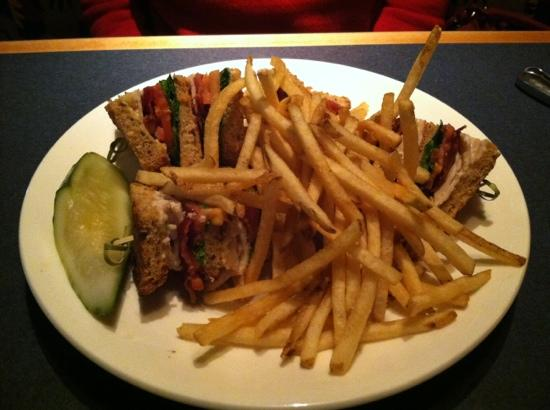 The Inn at Longwood Medical: Longwood Grille Turkey Club with Fries