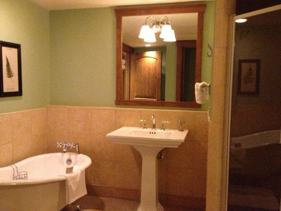 Teton Club: Master Bath
