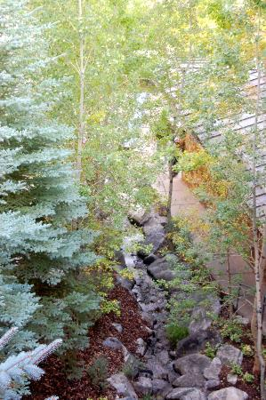 Teton Club: Stream outside room