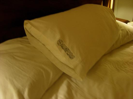 Bay View Inn: That pillowcase again