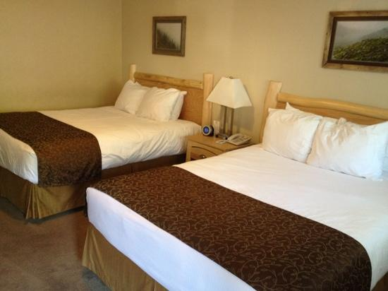Swiss Chalet Motel: 2 bedroom suite