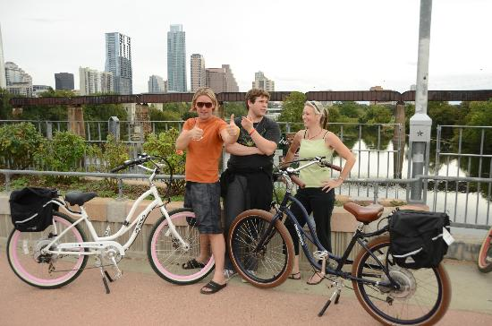 Rocket Electrics Austin Tours: The Staylyns - our tour guides