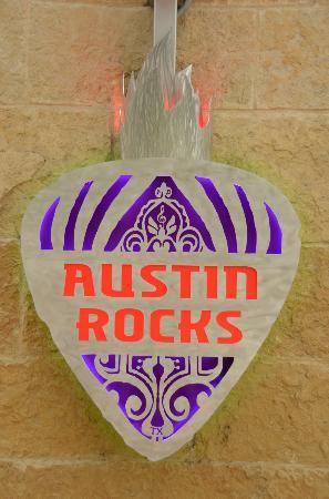 Rocket Electrics Austin Tours: On the tour