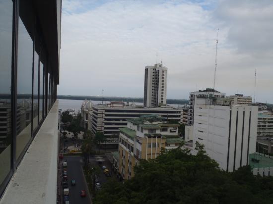 Unipark Hotel: 部屋から観た街