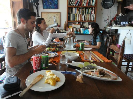 Posada El Canto de la Ballena : desayunando...