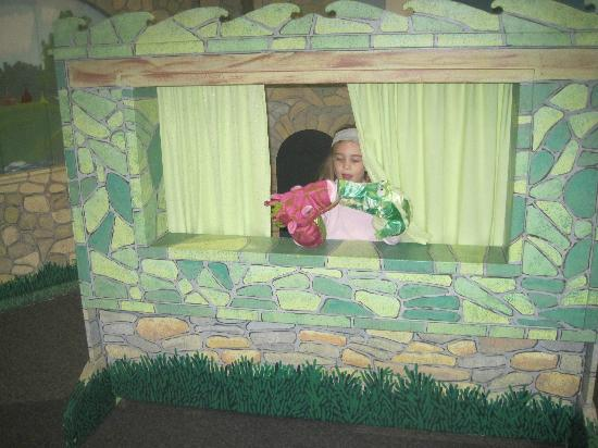 Cape Cod Children's Museum: Puppet Shows