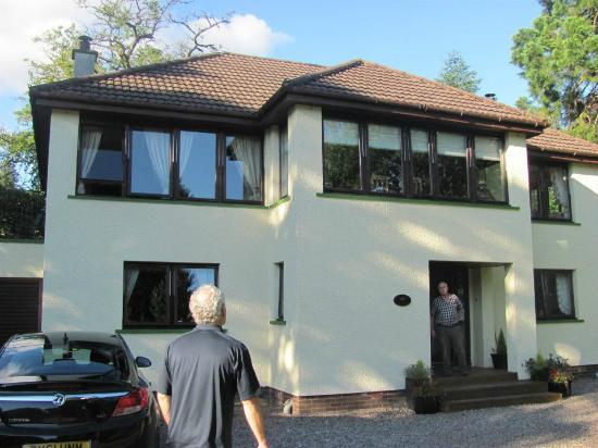 Riverside Lodge Gardens: The B&B