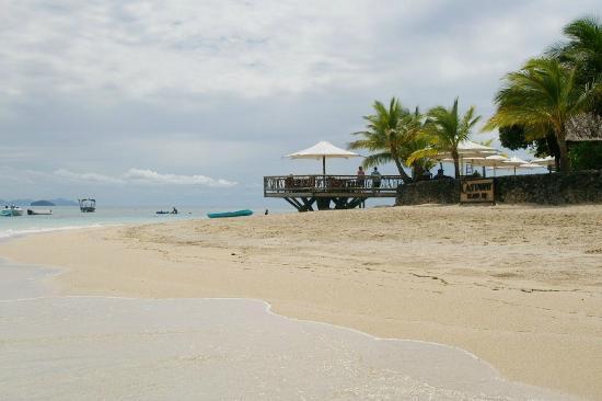 Castaway Island Fiji: Beach restaurant
