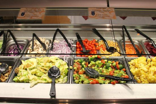 Wegmans Market Cafe: Awesome fresh veg
