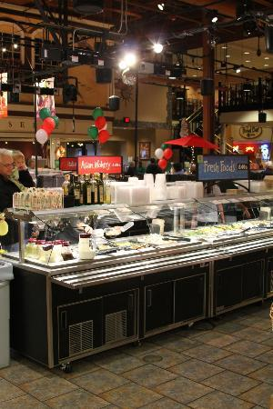 Wegmans Market Cafe: One of many fresh food bars