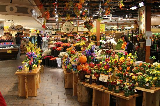Wegmans Market Cafe: Floral Department