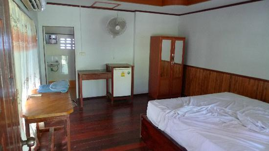 Haad Salad Villa: Simple rooms, most comfortable bed in Thailand!