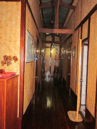 Patrik & Tezz Guesthouse: rooms 