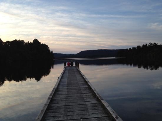 Glacier Country Kayaks: dock on the lake