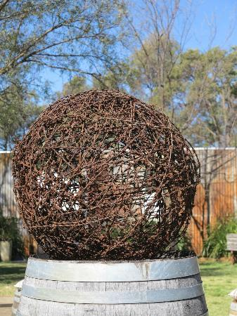 Burnbrae Vineyard and Winery: Artwork in the garden
